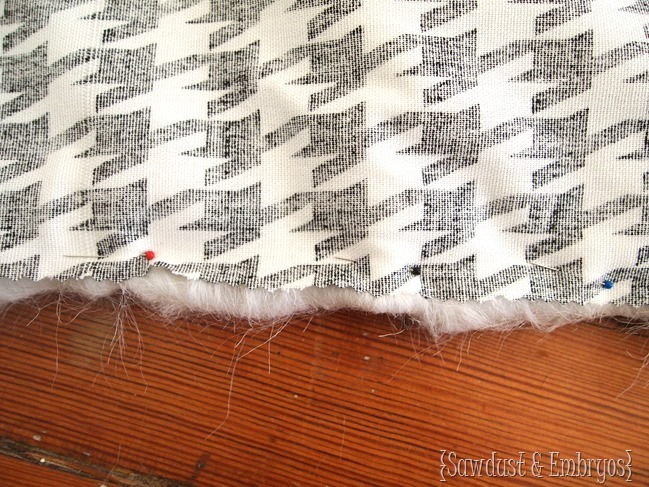 Recovering Egg Chair Cushion in white fluffy fabric and houndstooth {Sawdust and Embryos]